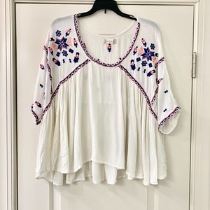 Altar'd State Boho Pink & Blue Embroidered Tunic M